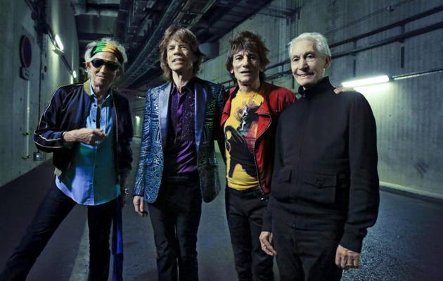 滾石樂隊隔空重聚,查理·沃茨表演無實物打鼓,場面搞笑又可愛